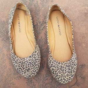 Lucky brand animal print flats size 7 leopard